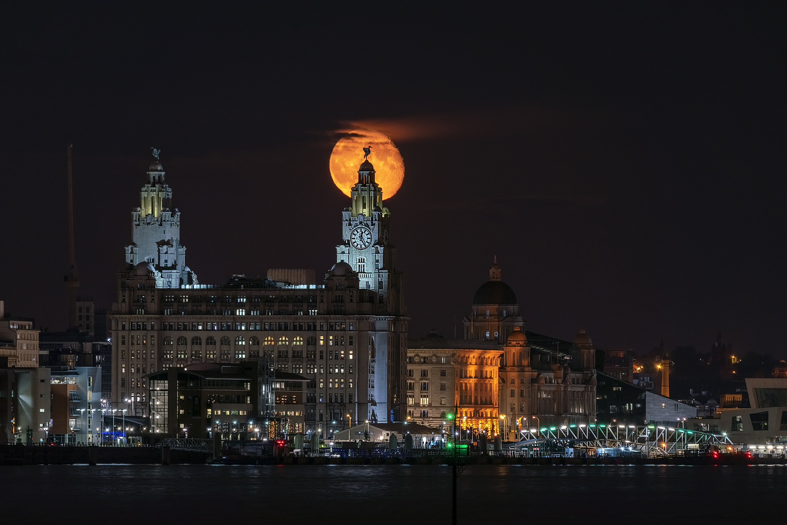 J.Huang Gibbous Moon above Liver BuildingLiverpool